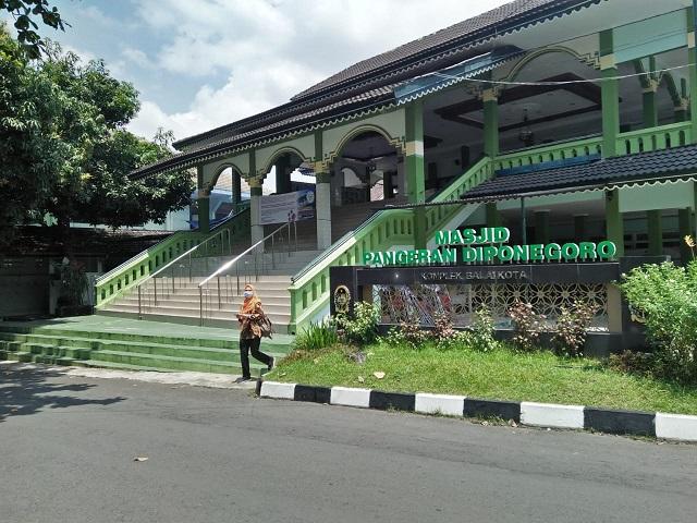 Minimalisir Penyebaran Covid-19, Masjid Pangeran Diponegoro Balaikota Tiadakan Ibadah Sholat Jum'at
